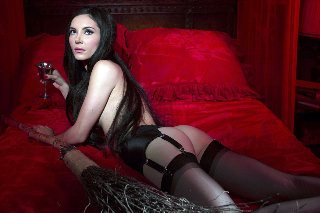The Love Witch 3 web